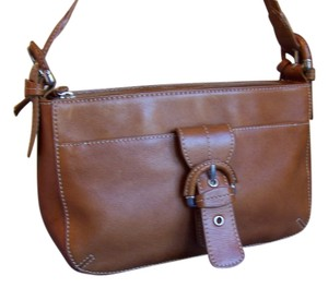 Etienne Aigner Aigner Leather Leather Hobo Aigner Leather Huggie Aigner Cognac Leather Leather Shoulder Bag