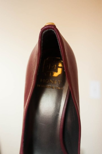 MONET Leather Gold Button Leather burgandy Pumps