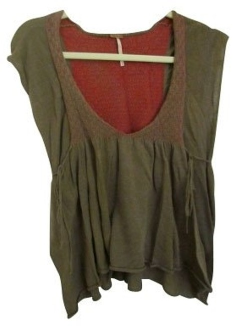 Preload https://item4.tradesy.com/images/free-people-dark-green-blouse-size-8-m-943-0-0.jpg?width=400&height=650