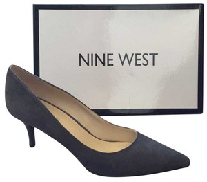 Nine West Medium Grey Pumps