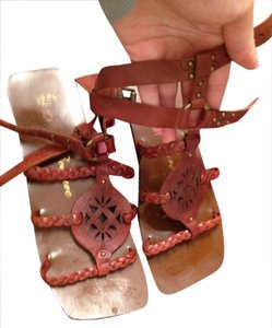 Juicy Couture Tan Sandals