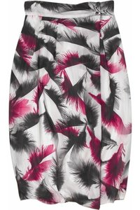 MCQ by Alexander McQueen Feather Feather Print Print Bubble Skirt Pink, Black, White