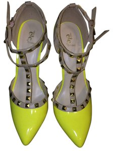 Rue 21 Yellow Pumps