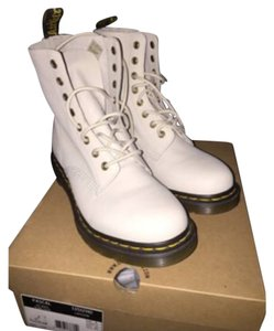 Dr. Martens OFF WHITE Boots