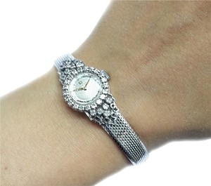 Omega OMEGA Vintage 18 Karat(750) White Gold Quartz Watch With 30 Diamonds 0.50 Ct.Tw