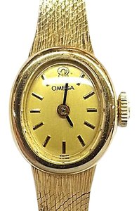 Omega Omega Vintage 14 Karat Yellow Gold Watch, Mechanical Movement