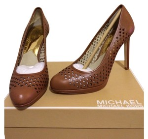 MICHAEL Michael Kors Luggage Pumps