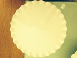 Pier 1 Imports White Scalloped Cake Stands Tableware