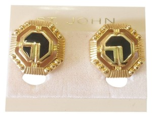 St. John St JOHN VINTAGE GOLD PLEATED EARRINGS BLACK ENAMEL LOGO SJ CLIP ON