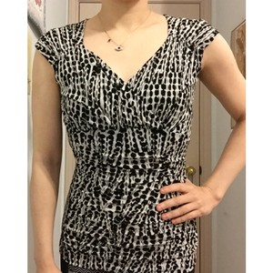 Classiques Entier Polka Dot V-neck Cap Sleeve Ruched Top Black and White