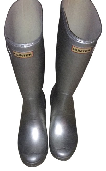 Item - Silver Boots/Booties Size US 7 Regular (M, B)