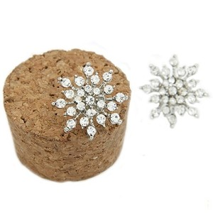 Clear Nwot White Snowflake Stud Studs Diamond Holiday Christmas Crystal Cluster 925 Logo Sterling Silver Pave Earrings
