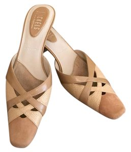 Nickels Two-tone Crisscross Leather beige Sandals