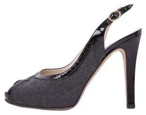Oscar de la Renta Gray & Black Pumps