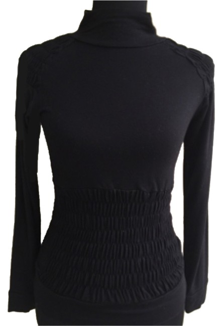 Item - Rouched Black Sweater