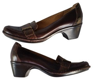 Clarks Leather Mock Croc Brown Pumps