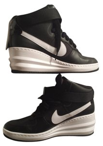 Nike black /white Athletic
