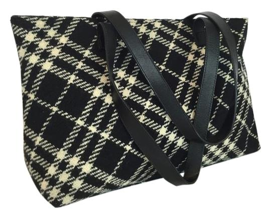 Preload https://img-static.tradesy.com/item/9497383/burberry-nova-black-wool-shoulder-bag-0-5-540-540.jpg