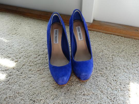 Steve Madden Suede Chunky Heel Hidden Platform Electric Blue Pumps