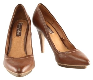 Zara Leather brown Pumps