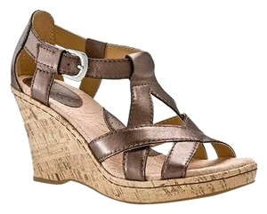 B.O.C. Wedge Born Bronze Brown Sandals