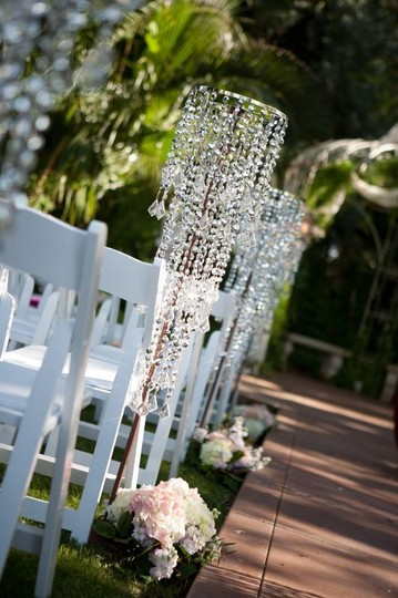 Preload https://img-static.tradesy.com/item/950207/clear-lot-of-crystal-chandeliers-event-decor-reception-decoration-0-1-540-540.jpg