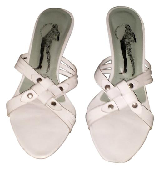Preload https://img-static.tradesy.com/item/950607/belle-by-sigerson-morrison-white-sale-sandals-size-us-7-narrow-aa-n-0-0-540-540.jpg