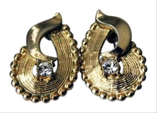 Preload https://item1.tradesy.com/images/textured-gold-tone-pear-shaped-crystal-detail-earrings-textured-gold-tone-pear-shaped-crystal-detail-earrings-950690-0-0.jpg?width=440&height=440