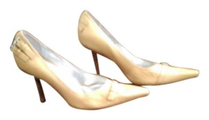 Carlos Santana Tan Pumps
