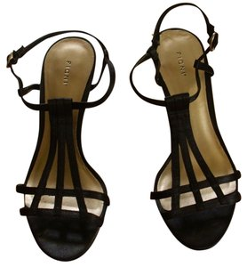Fioni Strappy black Pumps