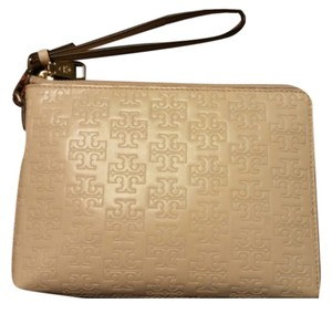 Tory Burch Wristlet in Pale Pink