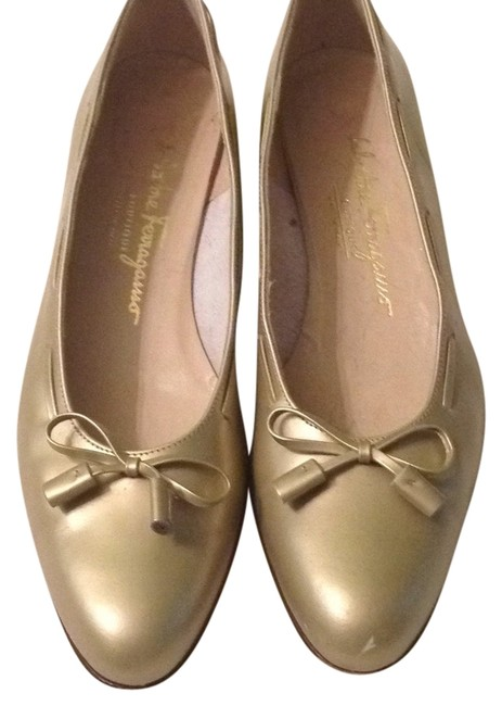 Item - Gold Bow Loafers Flats Size US 8.5 Narrow (Aa, N)