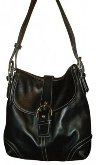 Preload https://item2.tradesy.com/images/coach-black-leather-shoulder-bag-9531-0-0.jpg?width=440&height=440