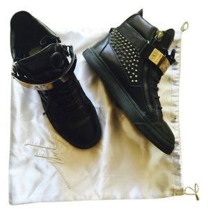 Giuseppe Zanotti Black with studs Athletic