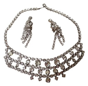 Vintage Statement Necklace With Earrings