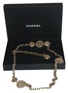 Chanel CHANEL 1 $1825 **IN STORES NOW** METAL GOLD TONE BELT W/QUILTED MEDALLIONS CC