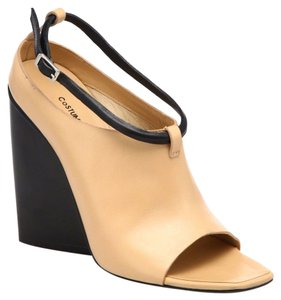 CoSTUME NATIONAL Open Toe Ankle Boot Ankle Strap Contrast Beige, Black Wedges