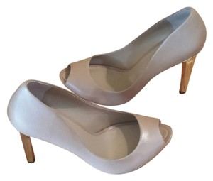 BCBG Max Azria Platform Gold Heel Leather Peep Toe Nude Pumps