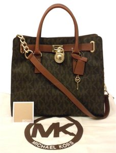 Michael Kors Mk Ns Logo Hamiliton Tote in Brown and Luggage