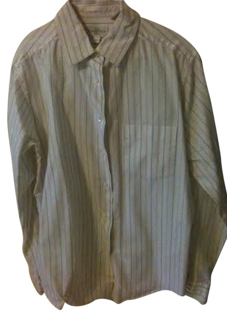 Preload https://item1.tradesy.com/images/nordstrom-button-down-top-size-10-m-954720-0-0.jpg?width=400&height=650