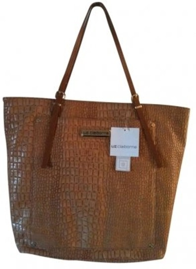 Preload https://item2.tradesy.com/images/liz-claiborne-7028-a-peanutwhiskey-tote-9551-0-0.jpg?width=440&height=440