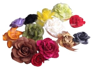 HAIR ACCESSORIES LOT OF 12 RARE FLOWER HAIR AND CLOTHING PINS