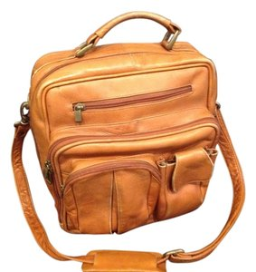 Other Cinnamon Travel Bag