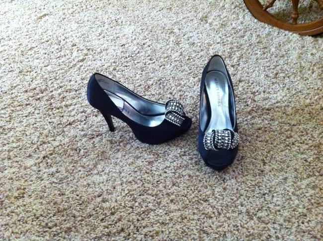 Item - Black Satin Bridal Pumps Size US 7