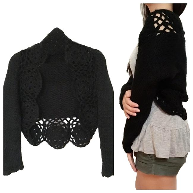 Preload https://item2.tradesy.com/images/blk-keyhole-scalloped-knit-sweater-crop-cardigan-size-4-s-956831-0-4.jpg?width=400&height=650