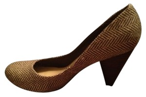 Deena & Ozzy Low Wooden Heel Brown/cream Pumps