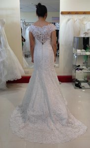 Allure Bridals Super Sale Lace C249 Feminine Wedding Dress Size 8 (M)