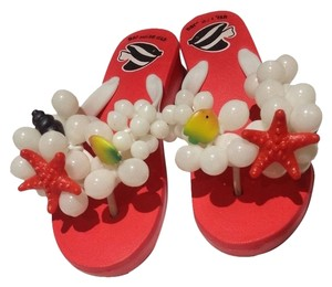Beach sandal Red and white Flats