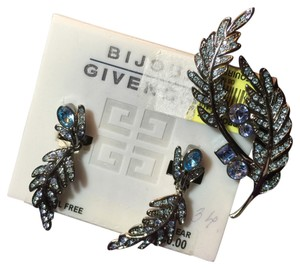 Givenchy Givenchy, antiqued silver leaf clip earrings and pin set!!!!, 2 toned blue rhinstones