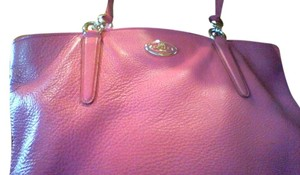 Coach Nwt Leather Tote in Pink